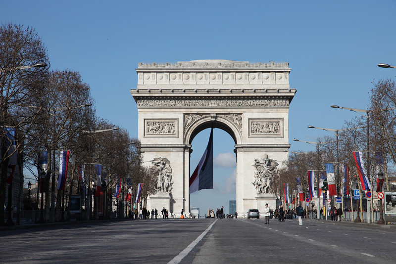 Champs de Elysees closed for the President of Russia (Medvedev)