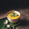 Soupe de carottes et lentilles corail / pesto à la coriandre
