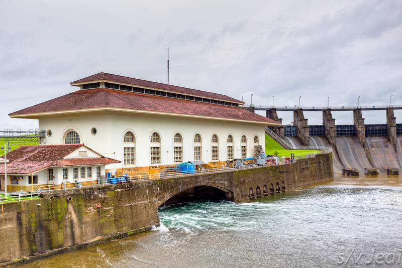 Gatun dam power generating station