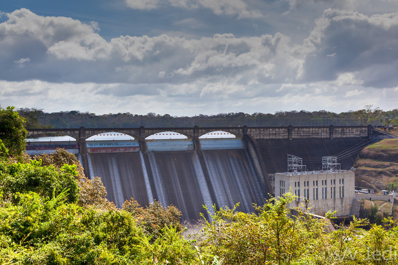 Madden dam. - Madden dam in Colon province, Panama, tames the wild Rio Chagres at the upstream end of the Panama Canal.