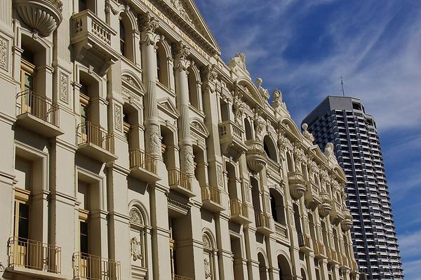Fachada del Teatro de su Majestad.<br /> <br /> His Majesty's Theatre facade.