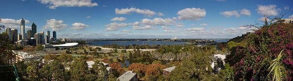 Panorámica de la ciudad de Perth. Creo que merece la pena verla a tamaño más grande.<br /> <br /> Panorama of the city of Perth. I believe it's worthwhile looking at it in a larger size.