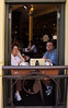Denise y David en su mesa y ventana preferida del café 'King Street No. 44' donde suelen ir a desayunar los sábados.<br /> <br /> Denise and David sitting at their preferred table and window in 'King Street No. 44'  cafe where they usually have breakfast on Saturdays.