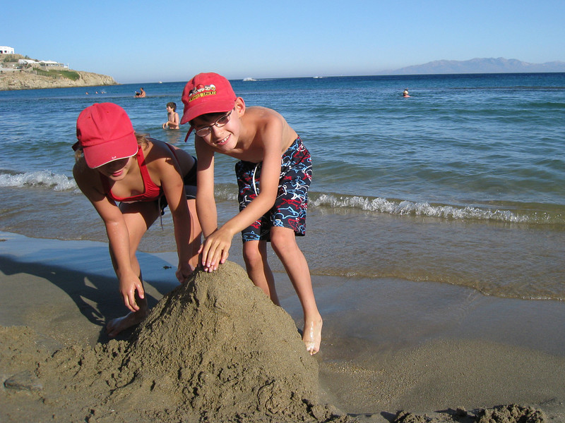 Half-way around the world, fundamental building principles still apply<br /> (Mykonos, Paradise Beach)