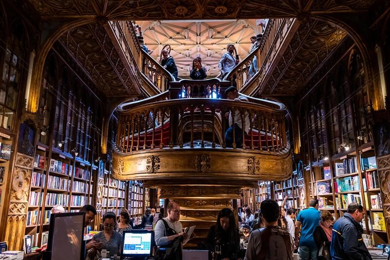 The stunning Livraria Lello (Lello bookstore)