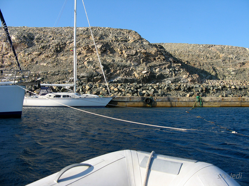 IMG_1107.JPG<br /> Cruising Monjes del Sur.