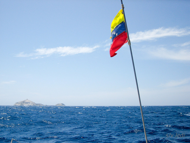 IMG_1093.JPG<br /> Cruising Monjes del Sur.