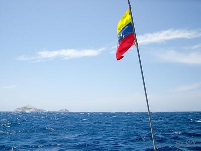 IMG_1093.JPG Cruising Monjes del Sur.