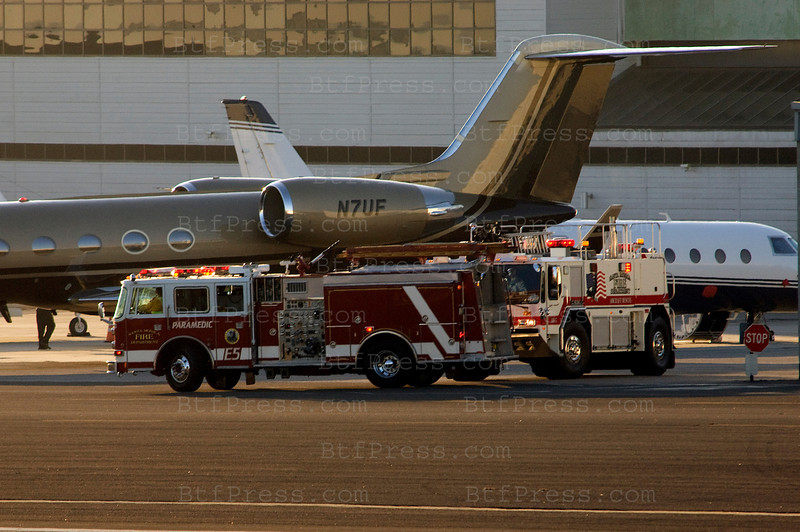 Exclusive---- Late afternoon,crash alert at Santa Monica Airport (KSMO) for a dangerous landing, fire truck was ready to do the job. Later the alert was off after a safe landing.