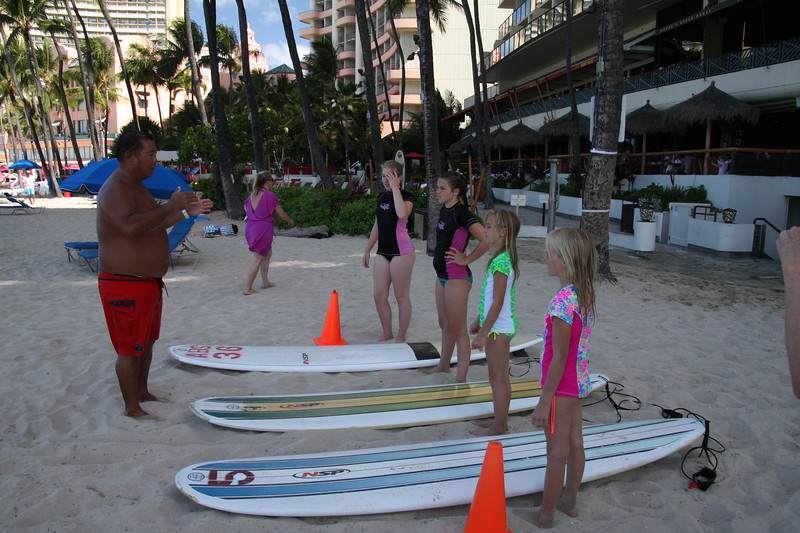 Lumpy give the girls surf lessons