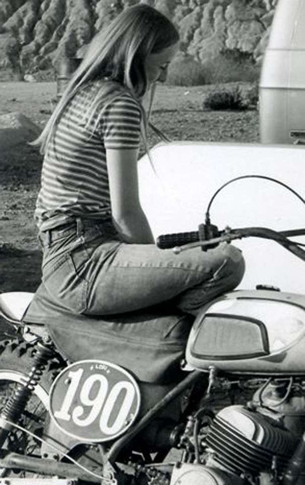 Pit Chick, 1971