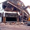 F1391 <br /> De afbraak van hotel-café-restaurant 't Bruine Paard aan de Hoofdstraat in 1979.