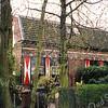 F0957 <br /> Twee huizen aan de Teijlingerlaan, nrs. 65 en 65b. Links woont de fam. J.A.M. van Zoen en rechts de fam. R. de Vos. Vroeger woonde hier de fam. Gerrits - toen stond er een melkfabriek achter het huis. Foto: 1998.
