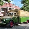 F2198<br /> Een opgeknapte antieke vrachtwagen van N.V. Rederij Wesseling in de Molenstraat vóór het bedrijf.