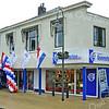 F2347<br /> De feestelijke opening van de verbouwde winkel van Duynstee b.v. Radio TV in 2004.