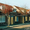F2783<br /> De Jacoba van Beierenlaan te Sassenheim. De huizen staan op de nominatie om afgebroken te worden. Foto: 1993