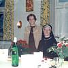 F4539<br /> Rechts: zuster Cornelia (Maria Catharina) Kipping, geb. 24-07-1912 Sassenheim en overleden 07-01-1989 in Sassenheim (Bernardus), daar werkte zij vele jaren.<br /> Links haar zus zuster Macrina (Margaretha Catharina) Kipping, geb. 03-10-1915 Sassenheim en overleden 23-10-2003 in Olst.<br />  <br /> Beide waren van de kloosterorde Zusters van Julie Postel, dat waren ook de zusters in de Bernardus.