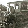 F2251<br /> Jan Oostenrijk op het 'sigarenkistje'  of de ' geelband-express'. Hij woonde op Beukenlaan 20, nu Parklaan 76.