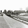 F1375c <br /> Rijksstraatweg 3, woonhuis, schuur en broeikas van de fam. R. Broer. Nu is hier de parkeerplaats van AKZO Nobel (Sikkens).