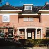 F2082<br /> Hoofdstraat 157, villa De Beukenhof, bewoond (in 2016) door de fam. Bouwmeester. De villa is gebouwd in 1925 voor J. Speelman; toen was de naam 'Swastika'.