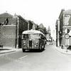 F3531<br /> Een z.g. Crossley bus, waarvan vooral de eerste 1300 serie zeer geliefd was onder de chauffeurs, de motor en de versnellingsbak waren niet stuk te krijgen. Enkele bussen van dat eerste type hebben meer dan een miljoen kilometer gereden. Locatie: ter hoogte van Het Bruine Paard en de Kerklaan.