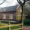 F0516 <br /> Het voormalige huis van de fam. G. Batenburg aan de Prins Hendriklaan. Vroeger heeft het huis als koetshuis gediend en behoorde het bij Het Oude Koningshuys. Foto: 1999.