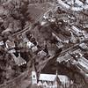 F3603<br /> Luchtfoto: Middenonder de R.K. Pancratiuskerk. Op de lege plek middenboven is in 1991 het nieuwe gemeentehuis gebouwd. Foto:voor 1981