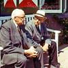F2640<br /> Piet Westerbeek (rechts) en Arie Vogelaar (wethouder van 1945 tot 1965) voor de woning van Westerbeek aan de Parklaan.