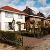 F2092<br /> Enkele villa's tegenover de Warmonderweg in Sassenheim-zuid.