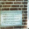 F0253 <br /> De eerste steen van de St. Antoniusschool langs de Parklaan is gelegd door Piet van der Holst, de jongste leerling van de school. Dit gebeurde op het feest van St. Antonius op 15 juni 1950. Het gebouw is gesloopt in 1994. Foto: 1990. Zie ook foto F 0250.