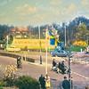 F3939<br /> Vanaf het kruispunt Van Pallandtlaan/Parklaan kijken we in noordelijke richting. Het Stormpad is rechts op de foto te zien. Links zien we dat er toen nog ruimte was voor een groot mozaïek. Oversteken vanuit de Willem Warnaarlaan was toen een hele kunst. Foto: circa 1960.