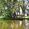 F3846 <br /> het boerderijtje van Arie van Dijk, gelegen aan de Sassenheimervaart tegenover de jachthaven Jonkman, nu loopt de Schiphollijn er vlak langs. Arie stapt net in zijn boot om de vaart over te steken. Foto gemaakt 8-7-1967