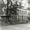 F0844 <br /> Collectie Oudshoorn 033: Serre en verbouw van West End (E. Kruijff) 1904 aan de Hoofdstraat nr. 165.  In 2016 is het statige huis al 20 jaar onbewoond en is  er helaas een sloopvergunning verleend.