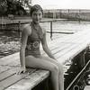 F2279<br /> Het oude zwembad aan de Willem Warnaarlaan. De zwemster is Toos Moerkens.