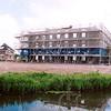 F4276<br /> De verbouwing van de voormalige bollenschuur van Papendrecht-van der Voet aan de Teijlingerlaan tot appartementencomplex met de naam 'Monte Carlo'. Foto: 2004.