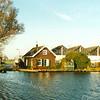 F2005<br /> Het huis van pontjesbaas C.L. Enzler aan het eind van de 3e Poellaan aan de Ringvaart, gezien vanaf de Ringvaart. Hij heeft daar tot 1995 gewoond. Foto: 1995