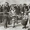 F2423<br /> De opening van het laatste gedeelte van Rijksweg 4, de latere A44 door de echtgenote van ir. W.C.G. Gelinck, president van het Internationaal Wegencongres. Links met ambtsketen is burgemeester Gouverneur.Foto: juni 1938.