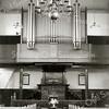 F2366<br /> Het interieur van de Ned.-herv. kerk (Dorpskerk). Foto: 27 juni 1944.