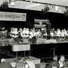 F2502<br /> Een benefietconcert in het Rijnlands Lyceum met o.a. het jeugdorkest van Crescendo. Foto: 2003.