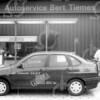 F4111 <br /> Bert Tiemes, dealer van de maand. De garage staat in de Lindenlaan. Foto: 25-7-1994