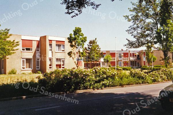 F0898b <br /> Foto van de Schutse aan de Jan van Brabantweg, gezien vanaf de Teijlingerlaan.  Zie ook opmerking bij F0898a. Foto: 1998.