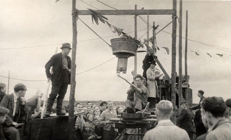 F4498<br /> Bevrijdingsfeest. Foto: 1945