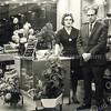 F3355<br /> De opening van de klokkenwinkel van Bep Duchâteau aan de Hoofdstraat. Foto:1962