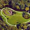 F3850<br /> Een luchtfoto van het eilandje in park Rusthoff. Links de kinderboerderij. Het parkpaviljoen staat er nog niet.