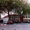 F4274a<br /> De vernieuwde Oude Haven met veel horecagelegenheden. Een gezellig plein in het centrum van Sassenheim. Foto: 2004