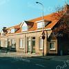 F2803<br /> De Westerstraat. Rechts is het verlengde van de Jacoba van Beierenlaan. Het huis uiterst links staat aan het verlengde van de Charbonlaan. Op deze locatie staat nu de Gildehof. Zie ook foto F2782.