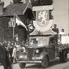 F4481<br /> Bevrijdingsoptocht:'Nederlands volksherstel'. Foto: 1945