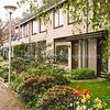 F1838b <br /> In 1971 werden ongeveer 160 van deze meanderwoningen gebouwd in de Kagertuinen, op het voormalige weidegebied van de fam. Van Rijn. Foto:2000.