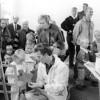 F4132 <br /> Wetenschaps- en Techniekdag bij Akzo-Nobel. Foto: 8-10-1994.