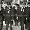 F1919<br /> De Oranjevereniging. V.l.n.r.: dhr. Matze, burgemeester J.P. Gouverneur, dan schuin erachter Tom Bergman; nb; nb.  Foto: jaren '30.
